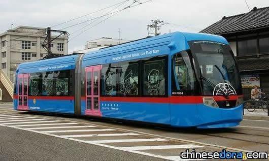 [日本] 萬葉線哆啦A夢列車 乘客突破5萬人